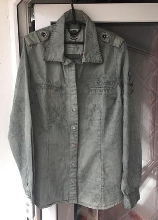 Джинсовая рубашка куртка-рубашка мрамор с нашивкой хаки джинс ...