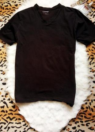Черная футболка джемпер c вырезом