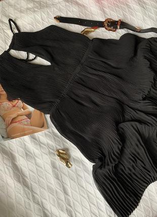 Шикарное платье плиссе с открытой спиной