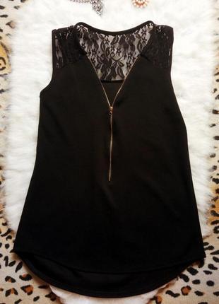 Идеальная черная блуза с гипюром ,замочком и открытым декольте