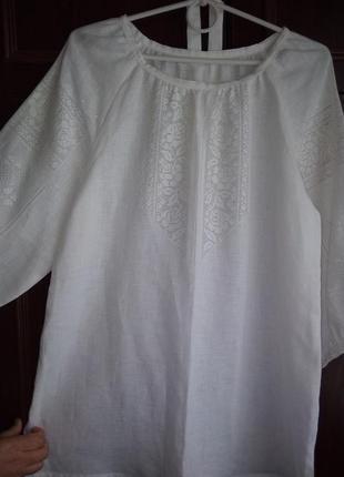 Блуза жіноча ручної вишивки