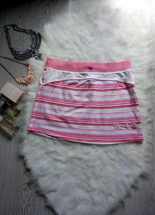 Яркая спортивная мини юбка на резинке в белую и розовую полоску