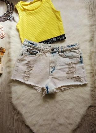 Светлые голубые белые джинсовые шорты с высокой талией посадко...