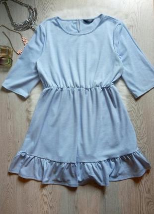 Летнее голубое бирюзовое короткое платье с рюшами снизу рукава...