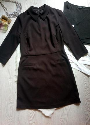 Черное плотное платье однотонное с воротником рукавами нарядно...