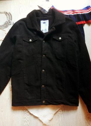 Черная мужская зимняя длинная куртка джинсовая с овчиной мехом...
