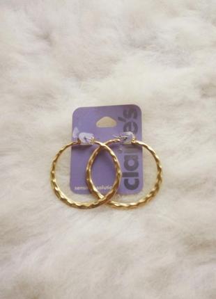 Золотистые круглые большие средние сережки золотые бижутерия