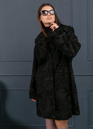 Стильное пальто из каракульчи с английским воротником шуба...