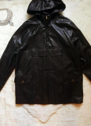 Черная кожаная длинная куртка бомбер анорак с молнией капюшоно...