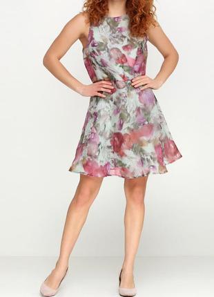Красивое коктейльное платье мини h&m.