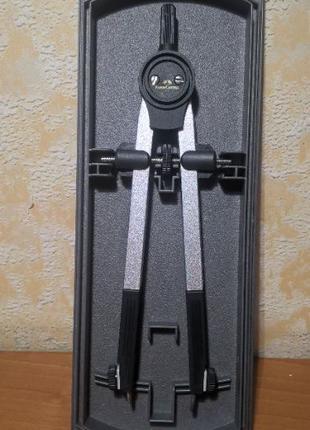 Качественный немецкий циркуль Faber-Castell Giant Compass 340 мм