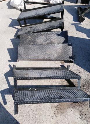 Стальная лестница готовая