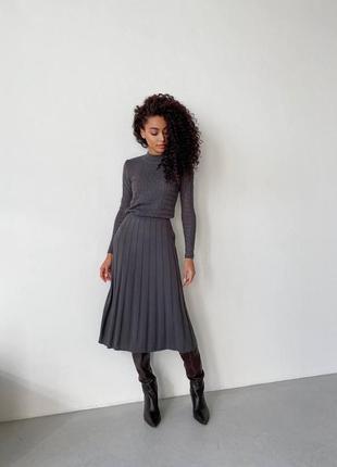 Платье миди плиссированная юбка