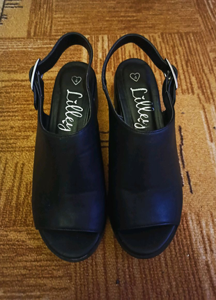 Чёрные босоножки мюли на низком каблуке