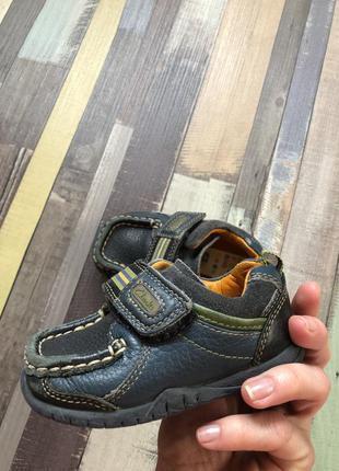 Клевые кожаные туфли clarks  19/20 размер