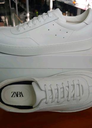 Кроссовки Zara женские