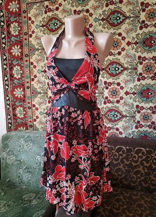 Нарядное платье на подкладке юбка в виде фонарика