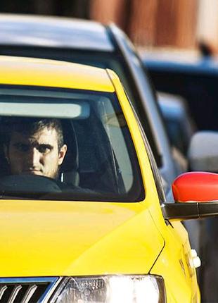 Водитель такси Uber