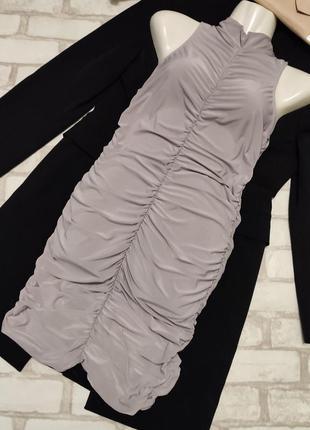 Красивое серое лёгкое платье на сборочках