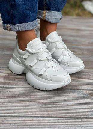 Шикарные белые кроссовки из нат.кожи