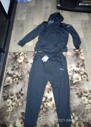 Продам новый спорт костюм puma