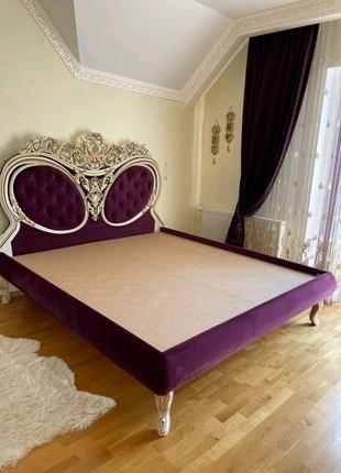 Двуспальная кровать сделана на заказ Италия 1.80 x 2.00