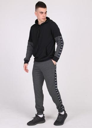 Спортивный костюм черно-серый urban с лампасами adidas