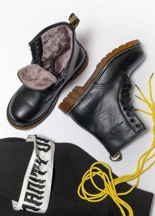 Шикарные женские чёрные зимние ботинки dr. martens 1460 с мехо...