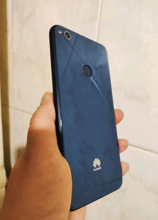 Huawei P8 lite 2017 Б. У + чехол+защитные стекла в подарок