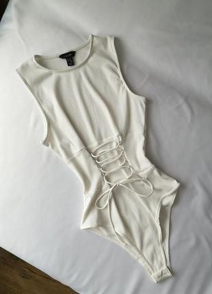 Белый боди в рубчик со шнуровкой new look