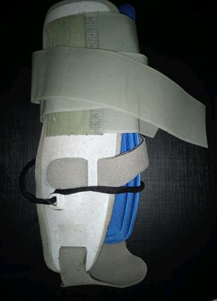 Фиксатор голеностопа ортопедический ортез