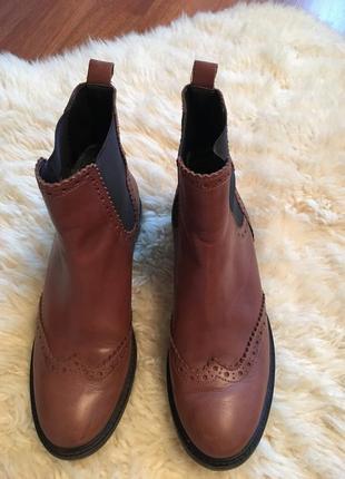 Крутые кожаные  ботинки челси