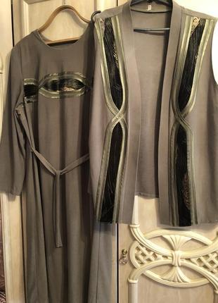 Трикотажный утепленный костюм,платье и безрукавка 3хл-4хл
