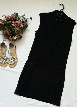 Трикотажное платье benetton s---44 размер.