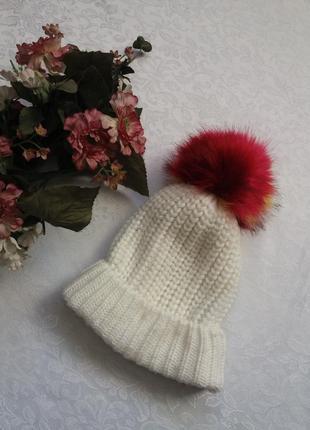 Теплая шапка с помпоном primark.