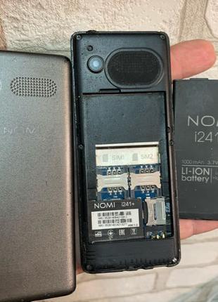 Мобильный телефон Nomi i241+ под ремонт или на запчасти