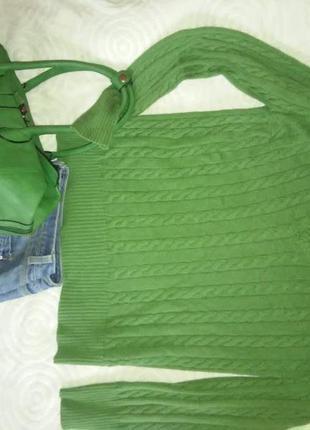 Джемпер косами приятного зеленого цвета мягкий хлопок