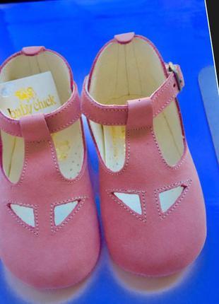 Baby chick италия новые кожаные пинетки босоножки сандали,твёр...