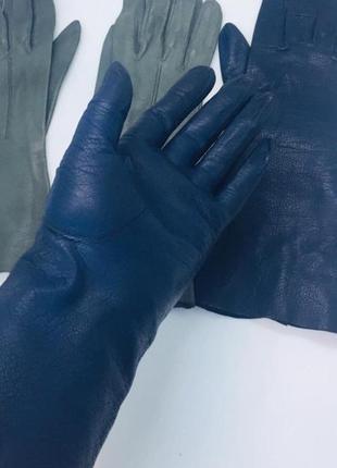 Итальянские новые кожаные перчатки синие без подкладки