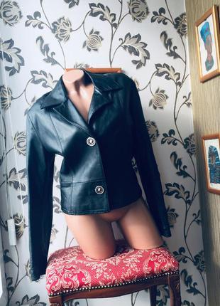 Кожаная куртка ,она 100% италия