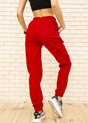 Женские вельветовые штаны красного цвета 102r176