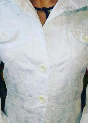Пиджак женский с узорами! 44-46 размер!