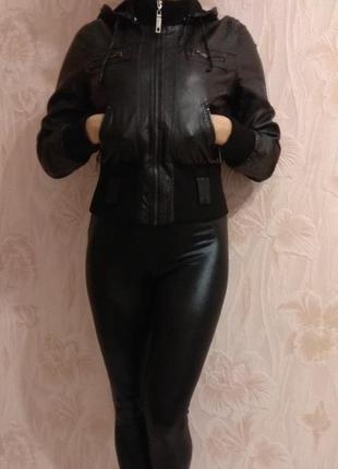 Классная куртка с искусственной кожи parisian р. 44-46