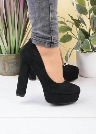 Жіночі туфлі на підборах