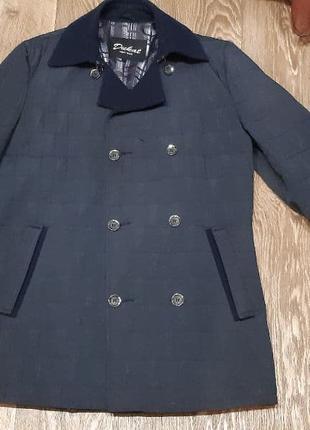 Демисезонная куртка-пиджак сезона осень/весна.