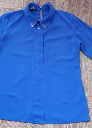 Две рубашки, хорошего качества