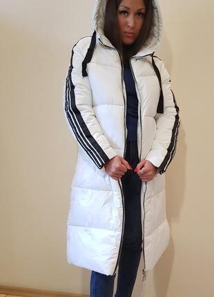 Пальто дутик белого цвета отделка лампасами италия