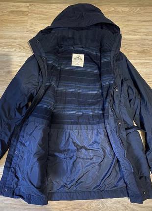 Куртка hollister p m-l в идеальном состоянии  весна -осень.