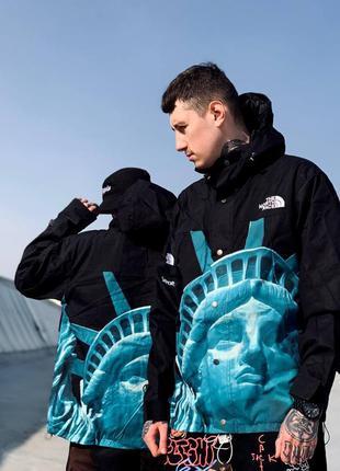 Ветровка в стиле tnf x supreme america