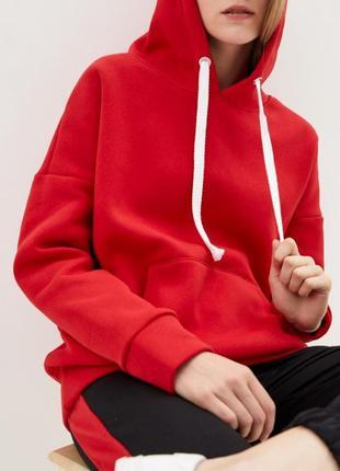Крутое объёмное оверсайз худи красного цвета oversize